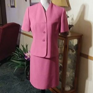 Pretty pink short sleeve suite